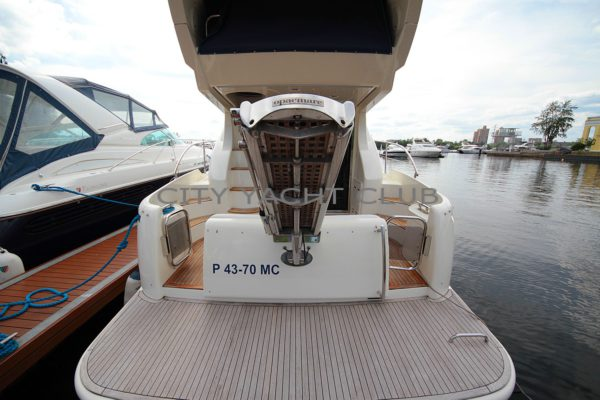 Azimut 42 2002 г. 1330 м/ч